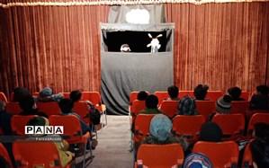 دانش آموزان از نمایش برتر استان در کانون پرورش فکری کودکان ونوجوانان کاشمربازدید کردند