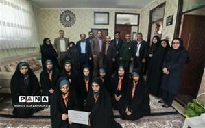 دیدار رئیس اداره آموزش و پرورش زبرخان با خانواده های شهدا به مناسبت سالروز وفات حضرت ام البنین(س)
