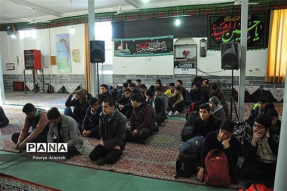 اعزام دانش آموزان دوره دوم شهرستان خوسف به اردو راهیان نور