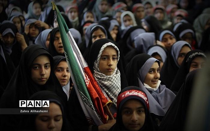 گردهمایی 30 هزار نفری نسل سلیمانی در مصلی تهران