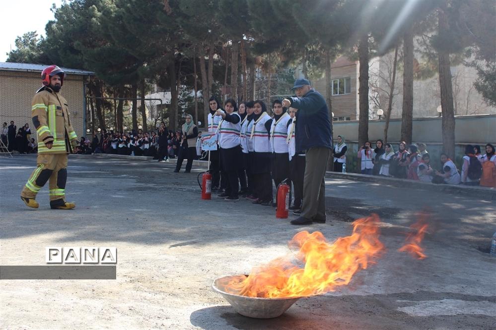 برگزاری همایش یاوران انقلاب سازمان دانش آموزی در استان البرز