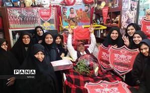 عیادت دانشآموزان دبیرستان  روشنگر منطقه 12 از جانبازان