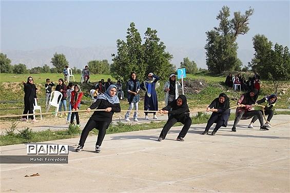 مسابقات بازی های بومی و محلی جشنواره ورزشی دا رشته طناب کشی در بوشهر