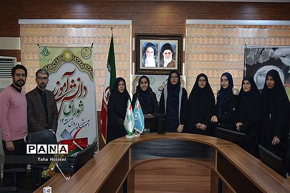 جلسه شورای دانش آموزی درمنطقه 14