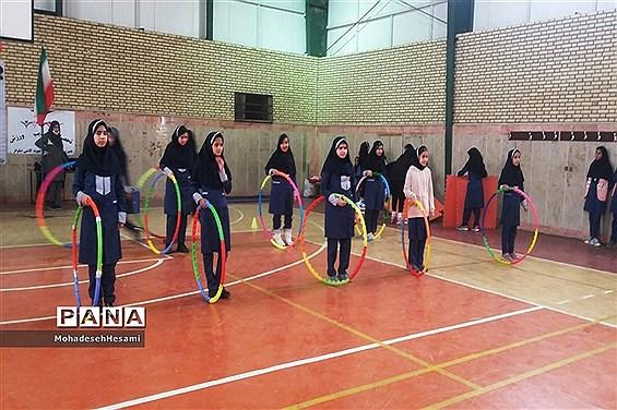 افتتاحیه المپیاد ورزشی درون مدرسه ای در دبیرستان نمونه کاشی نیلوفر