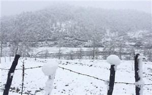 بارش یکونیم متری برف در محور اسالم به خلخال