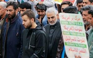 تصویر/ حضور سپهبد حاج قاسم سلیمانی در راهپیمایی ۲۲ بهمن ۹۷