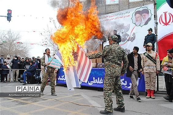 راهپیمایی باشکوه 22 بهمن در تایباد