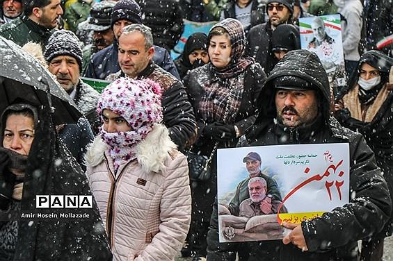 راهپیمایی باشکوه یوم الله ۲۲ بهمن در ارومیه
