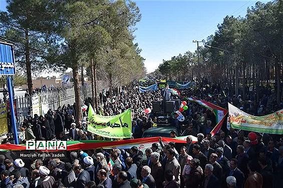 حضور حماسی مردم ابرکوه در راهپیمایی ۲۲ بهمن