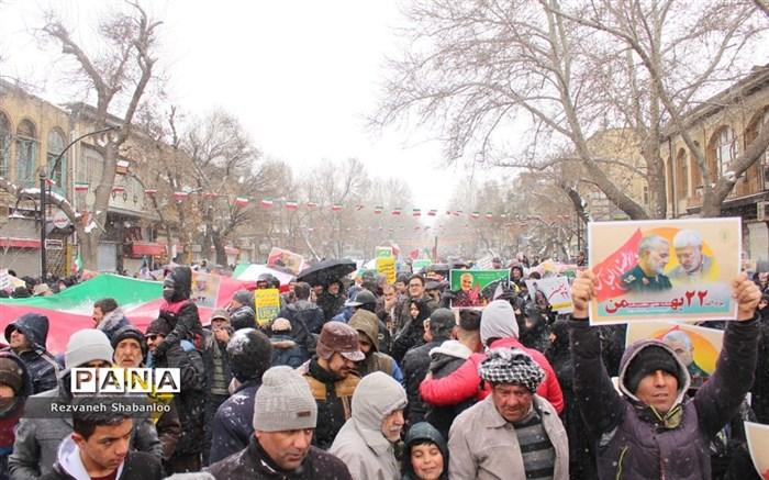 حضور پرشور مردم همدان در راهپیمایی۲۲بهمن
