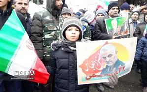 شرکت باشکوه فرهنگیان و دانش آموزان قزوین در  راهپیمایی 22 بهمن