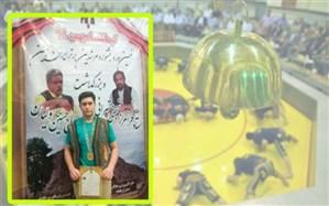 دانش آموز میانه ای مقام قهرمانی کشور در هنرهای مرشدی را کسب کرد