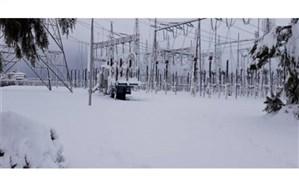 هنوز برق مناطقی از گیلان به دلیل شدت برف قطع است