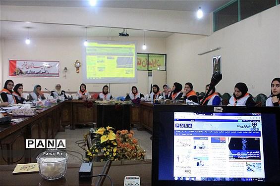 دوره آموزش اصول خبرنویسی و عکاسی دانشآموزان ملکان
