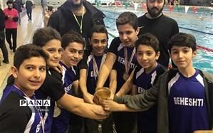 مسابقه شنا پسران به مناسبت دهه فجر در منطقه ۳