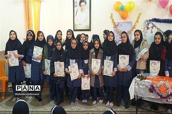 جشن ولادت حضرت زهرا(س) در دبیرستان نمونه کاشی نیلوفر