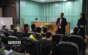 برگزاری کلاسهای خبرنگاری ویژه دانشآموزان در شیراز