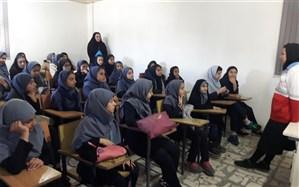 آشنایی بیشتر دانش آموزان گیلانی با فعالیتهای هلال احمر