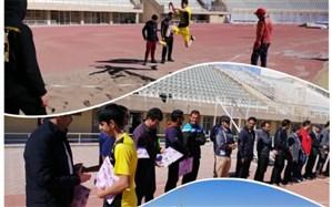 رقابت دانش آموزان یزدی در مسابقات دو میدانی