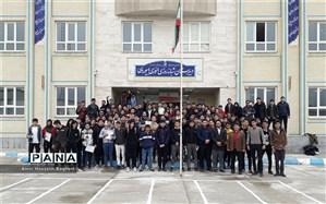 تقدیر از  دانش آموزان برتر دبیرستان انوری ابیوردی در گز