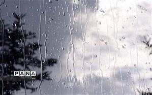 رگبار باران در شمال غرب و گرد و خاک در شرق کشور