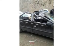 سقوط سنگ بر روی خودرو در جاده چالوس جان دختر ۱۸ ساله را گرفت
