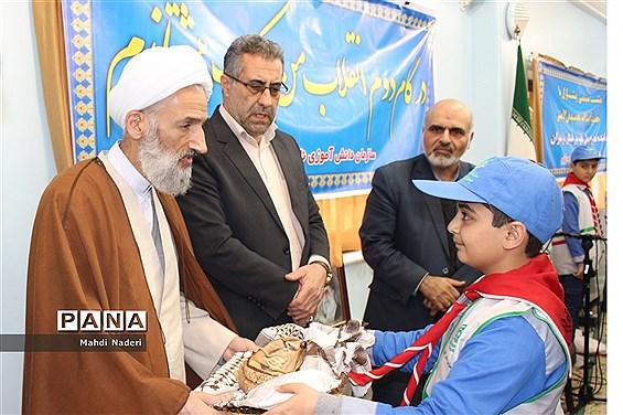 دیدار پیشتازان رأیاولی مازندران با نماینده ولی فقیه در استان