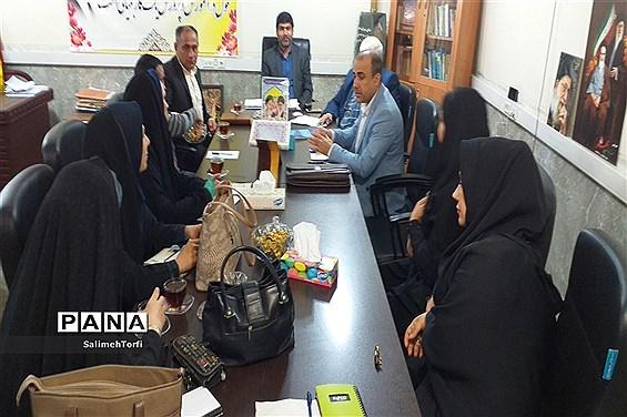 برگزاری جلسه سرگروه های آموزشی ابتدایی  شهرستان حمیدیه