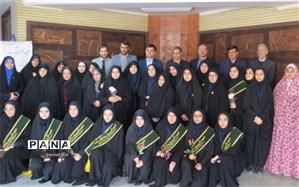 """بازدید مدیرکل آموزش و پرورش از نمایشگاه """"مدرسه انقلاب """"دانش آموزان انجمن اسلامی"""