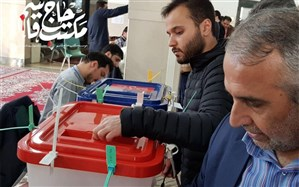 تصویری از فرزند حاج قاسم سلیمانی پای صندوق رأی
