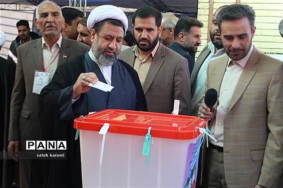 حضور حماسی مردم کرمان در انتخابات مجلس شورای اسلامی