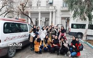 بازدید دانش آموزان شهرستان بهارستان از مرکز پذیره نویسی اهدا کنندگان سلولهای بنیادی سازمان انتقال خون