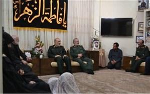 دیدار فرمانده کل سپاه با خانواده شهیدان پاشاپور  و زمانی نیا