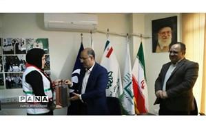 تجلیل از خبرنگار دانش آموز فعال پانای شهر تهران