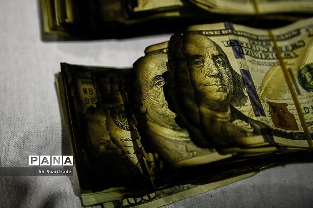 کشفیات مواد محترقه و ارز قاچاق