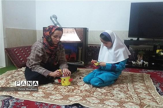 حفظ آرامش و ادامه روند یادگیری دانشآموزان مدرسه ۲۲ بهمن شهرستان آباده در هفته کرونایی ایران