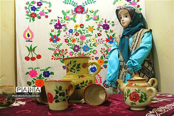 آثار دستی روستاهای برگزیده کاشمر در فروشگاه روستا
