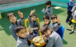 """اقدام خوب یک دبستان در بوشهر: """"خانوادهها نگران پرداخت شهریه نباشند"""""""