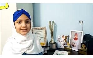 نابغه ۹ ساله قزوینی دانش آموزان را به پویش «آموزش تعطیل شدنی نیست» دعوت کرد