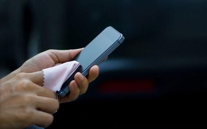 نحوه صحیح پاکسازی تلفن همراه برای جلوگیری از انتقال کرونا