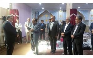 بازدید استاندارخراسان جنوبی از البسه خریداری شده در جشن گلریزان