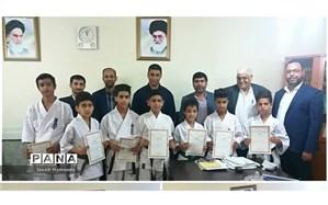 تجلیل ازدانش آموزان افتخارآفرین شهرستان حمیدیه درمسابقات کاراته قهرمانی کشور