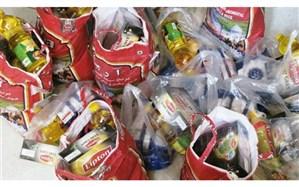 اهدای بسته حمایتی به خانواده مدافعان سلامت بیمارستان دکتر چمران