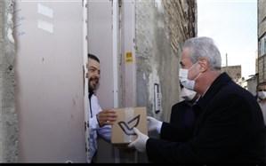 توزیع مواد بهداشتی و ضدعفونی کننده در مناطق محروم تبریز