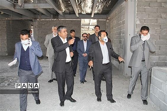 بازدید مدیرکل  آموزش و پرورش استان کرمان از پروژه های عمرانی آموزش و پرورش
