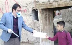 توزیع درسنامه های ویژه دانش آموزان کلاس های چند پایه مدارس روستایی و عشایری آذربایجان شرقی