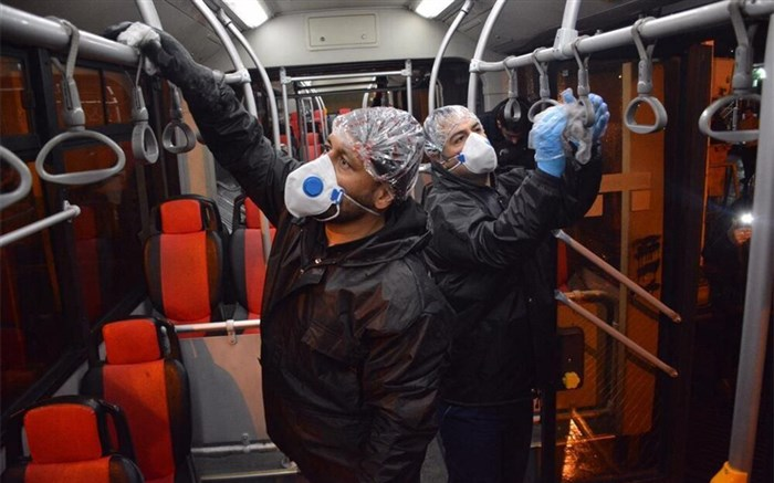تحویل ماسک به رانندگان اتوبوس