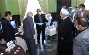 بازدید رئیس جمهور از نمایشگاه دستاوردها و محصولات علمی و فناوری در مبارزه با کرونا