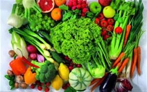 برای ضدعفونی و گندزدایی میوه و سبزیجات از آب و چند قطره مایع ظرفشویی استفاده کنید